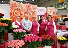 The team of Greenhouse complex Podosinki. This 9ha Russian rose farm was built 10 years ago, is growing Dutch varieties and sell their flowers all over Russia. They are currently producing 25 varieties and are planning to expand their greenhouse.