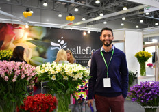 Alstroemeria grower Juan Pablo Ponce of Valleflor came back after a four year break. They are the only grower in Ecuador that has Perfection flowers. On the photo, Perfection Pink Floyd on the left and Perfection Alstroemeria Whistler on the right.