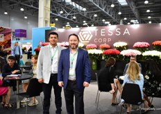Part of the team of Ecuanros promoting their brand Tessa (Carlos Nevada is talking with clients, in the back). This Ecuadorian rose farm supplies over 50 percent of their production to the Russian market and according to Carlos, they are one of the strongest players in Russia.