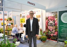 Eric Renault of Plantexport. This company is built up of seven French companies and Renailt is one of them. Together, the companies can offer Russian growers a large assortment of hydrangea, garden rose and chrysanthemum young that sell young plants. They sell the, all over the world and Russia is a large market for them.