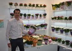 Here we got Martijn Vreugdenhil from SV.CO and he shows us their Chrysant Special!