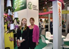 And Royal Flora Holland was also present. Here we got Caroline Grange with the interpeter.