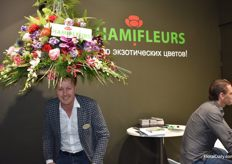 Rob Vijverberg from Hamifleurs wears his flowerhat. Looks good doens't it?