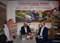Ronald Hillebrink from the Holland Bulb Market having a good conversation with Kuno Jacobs from Nova.
