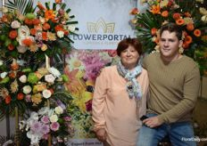 Mother Adrianov with her son from Flowerportal.