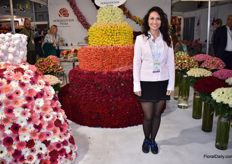 The lady from the information desk, Elena Elysheva, also wanted to take a picture with a floral artwork.