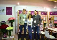 Nick MacDonald and Linda Campos of Vaselife and David Marin Jaramillo of BioFlora. Now, as they have settled in Colombia, they are looking to expand markets in South America. Besides that, they are also looking for a distribition partner in the US.