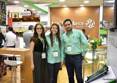 The team of Logiztik Allians; from left to right: Victoria Vazquez, Isabela Ponce and Jose Luis Matheis. This freigth forwarder sends flowers to over 80 countries.
