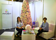 Gabriela Villalba and Fanny Castro of Flowerfest, a 4ha farm that produced preserved roses in Cayambe.