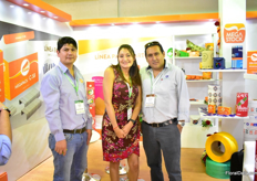 The team of Megastock. They produce packaging material for roses in Ecuador. From left to right: Carlos Degado and Carolina Munoz of Megastock with Fernando Suesnava of Hilsea (who was visiting the show).
