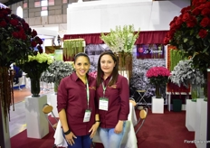 Sofia Enriqquez and Maria Feranda Arias of La Toscana Farms. Next to roses, they grow dusty miller, hanging amaranths and hybrid delphinium.