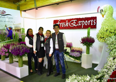 The team of Fresh Exports. This young Ecuadorian stock and carnation farm started only two years ago and grows these flowers on 2 acres.