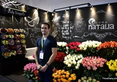 Sebastian Moldanado of Agrogana Dona Natalia. They grow roses, ranuncules, anemones thistles and dianthus on 35 ha in the Cotopaxi area at an altitude of 3,000m. Recently, they started to make bouquets and they are presenting them at the fair.