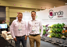 Rick den Dulk and Luuk van Buuren of Sande Flowers. This first-time PMA exhibitor has two farms in Ecuador andthe biggest minicalla growers. They mainly export to the US (mainly North America) and Europe. They are supplying wholesalers and are looking supply mass market with their bouquets, which they recently started to supply.