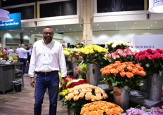 Marlon Pottinger of Queen. They grow roses, pompons, carnations, mini carnations, fillers, delphiniums at several farms in Colombia. They distribute these flowers and bouquets all over the US and Canada.