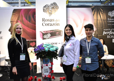 Luda Haurylkina, Paola Tapia and David Proano of Rosas del Corazon. This Ecuadorian rose grower sees a lot of interest for their tinte and painted roses. The roses on the picture, for example, are both tinted and sprayed.