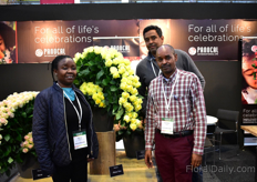 Kenyan rose growers Mercy Njuguna, Boniface Kiama and Paul Wekesa of Panocal. They were putting their new, around 6, varieties in the spotlight. The reactions so far are very positive, according to Paul Wekesa.
