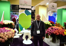 German Lacouture Gutierrez of Milonga Flowers presenting its roses at the Colombian pavillion.