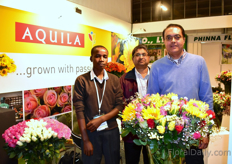 Seth Riungu, Abhay Marathe abd Ranjit Singh Amrit of Aquila. This Kenyan farm used to grow roses only, but started to add summer flowers last year. As they now grow more flowers, they can also offer bouquets. They supply sunflowers per order and mainly supply them to retailers. Next to flowers, they also started to grow vegestables, since last year.
