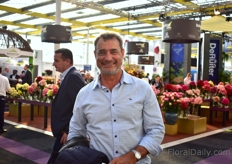 Peter Viljoen of Sunland Roses was also visiting the show.