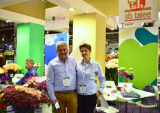 Celiar Norena and Sandra Medina of Geoflora and sb talee, carnation breeders and growers.