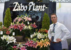 Emiel v. Tongerlo from Zabo plant presented their new Rose Lily this year.