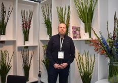 Roelof Postma from Stoop Flowerbulbs showed us the magic coming out of a bulb.