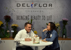 Jan Willem Scheeven from Deliflor having a conversation with Ute Albrecht from Royalty Administration international.