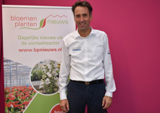Raymond Lescrauwaet at the stand of BPnieuws.nl and Floraldaily.com