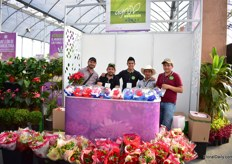 "The team of Agro Negocios Muoz. They grow several flowers and have a flower shop in Mexico City. Next to supplying the Mexican market, they also export their flowers to los Angeles, Las Vegas and Phoenix in the USA. One special product that they were showcasing at the show was the rose in a bowls with water. ""It is special water that extends the shelf life to the flower up to one year."""