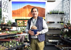 Our neighbourg at the exhibition; Roberto Garay Segura of Sossuvlei. They grow African succulents in San Pedro Cuajimalpa, Mexico. According to Garay, succulents became popular about 10 years ago.