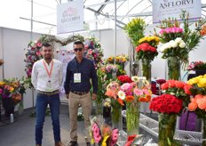 Maximo Arias ans Carlos ALonso Miranda of Asflorvi (Asociacion de Floricutlores de Villa Guerrero A.C.). This is an association that consists of 708 members. The growers grow flowers for the national market, but export them to the US as well. Two times a week, a truck with flowers is being exported to the US.