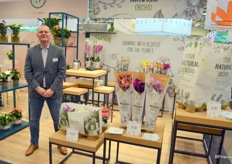 Stolk Orchids also discovered the paper transport cover. The Your Natural Orchids brand is thus developed further step by step, says Chris Oosterom.
