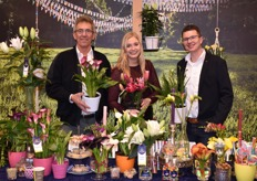 Peet v. Os, Felicia vd Weiden and Daan Vermeer of Van den Bos Flowerbulbs. They show their concept 'Party' to all hungry visitors of this years IPM.