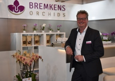 Edwin vd Nieuwendijk of Bremkes Orchids answered all the questions that one could have about their assortment of orchids.