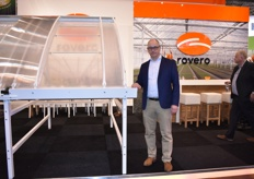 Jan v Hemet with the Rovero Roll-Air greenhouse.