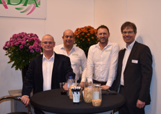 Rene vd Kamp, Gerrard Lentjes, Ed Breedeveld & Thomas Klapdor with Armada / Deconova showed their decorative pot chrysanthemums, mainly popular in China / India.
