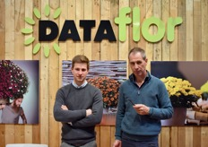 Father and son, with on the left Wouter David and on the right Jan David. In the spotlights the chrysantemums and ecological strawberry concept, in which every aspect of the production process is optimized in terms of sustainability.