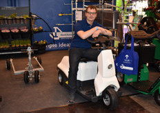 Victor Eijpen is ready for a ride with the Enova of Horti-innovations.
