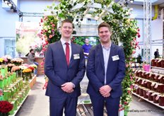 Alexander Letkow and Stefan Heyer of Rosen Tantau. Special attention this year is again given to the Bienweide garden rose range. They have this range for around 5 years now and every year, it is expanded with one or two new varieties. Bees has become a hot topic over the years, so the demand has grown too.