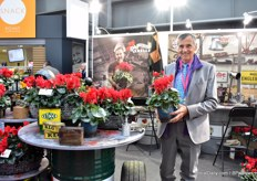 Olivier Morel of Morel Diffusion presenting the new red cyclamen: Rebelle