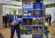 Kees Waqué of Desch Plantpak, presenting their latest product line Recover; an addition to the standard recycled products in the Desch range. They purchase post-consumer plastic waste exclusively to produce Recover.