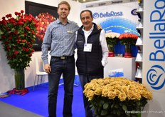 Santiago Brown, the breeder of the Toffee variety of Brown Breeding (the company his father established), together with one of the growers Gonzalo Luzuriaga of BellaRosa and FloralDaily. Santiago Brown now works BallFloraPlant.