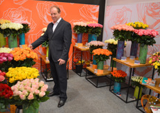 Wout Oor, salesman at Dümmen Orange and well-known in the rose trade. The orange rose is a new variety: Liana Orange