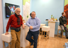Bill Kempes, amaryllis agent, and Fred Breekhuizen of Sure Plants, together in the stand of Gebr. van Velden (for whom Fred does some of the sales) and of AgroFloralPeru, active in the bulb trade with Europe.