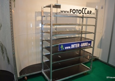 One of the additions to the FotoCCar assortment, a double FotoCCar. In front of it a multilayer CC. Handy for taking pictures of and auctioning mixed trolleys.