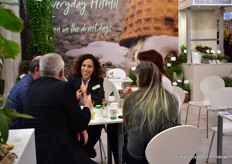 Maya Avni of Hishtil talking with clients.