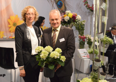 Christiane Appl and Hubert Brandkamp, who, in addition to bedding plants and mums, are now also focusing on hydrangeas.