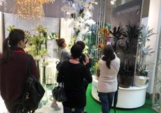 The Dracaena X-Mas of Piet Vijverberg in gold, black, bronze, and siilver attracted a lot of attention of the visitors.
