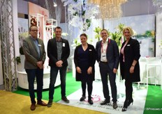 The team at the Royal FloraHolland booth, from left to right: Anne Jan Steenbeek of Royal FloraHolland, John Langeslag of LOEK Jansen, Joyce Lansbergen of LG Flowers, Auke Heins and Caroline Janknegt of Royal FloraHolland.